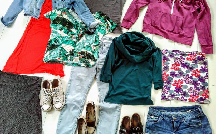 tien zomerse kledingstukken, meer dan vijfentwintig mogelijke combinaties