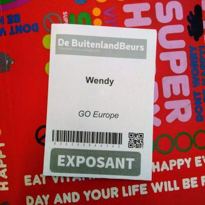 """Mijn entreebewijs voor de BuitenlandBeurs, met in hoofdletters """"EXPOSANT"""" erop."""