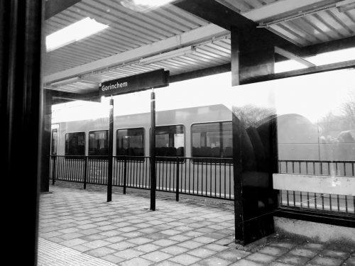 Het station van Gorinchem, aan de MerwedeLingelijn.